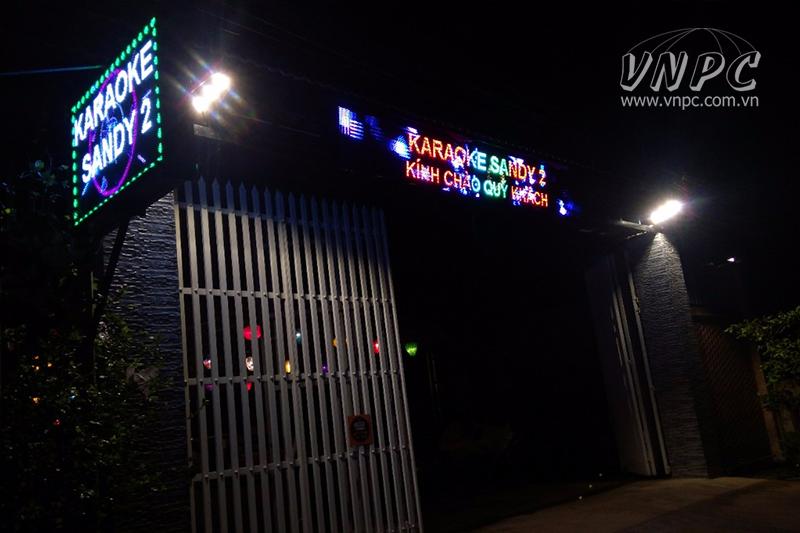Lắp máy chiếu BenQ MH534 cho quán Karaoke tại Đồng Nai