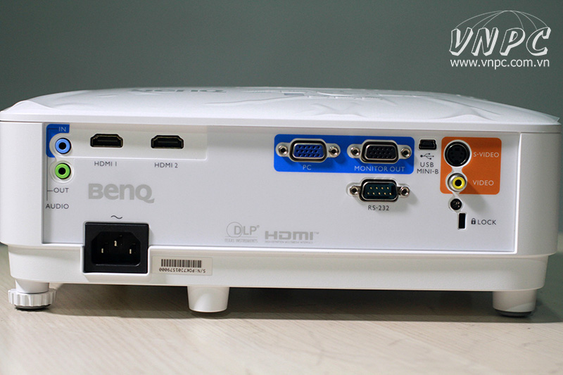 Cổng tín hiệu máy chiếu BenQ MH550