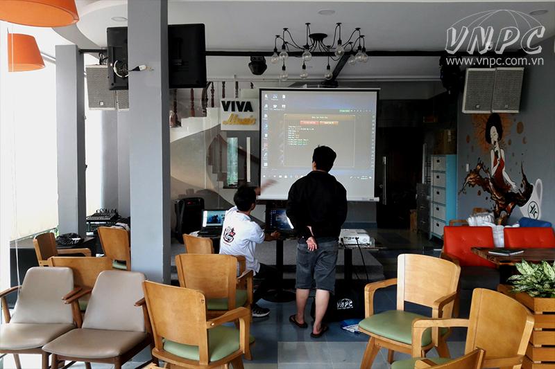 Cho thuê máy chiếu chơi game tại quán Viva Star Coffe