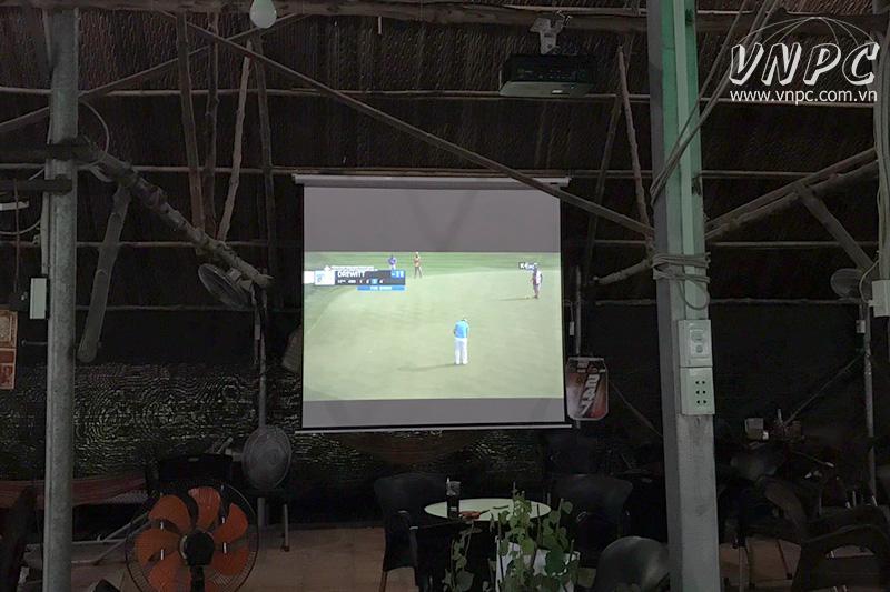Lắp máy chiếu Optoma PX390 xem AFF Cup 2018 tại Bình Dương