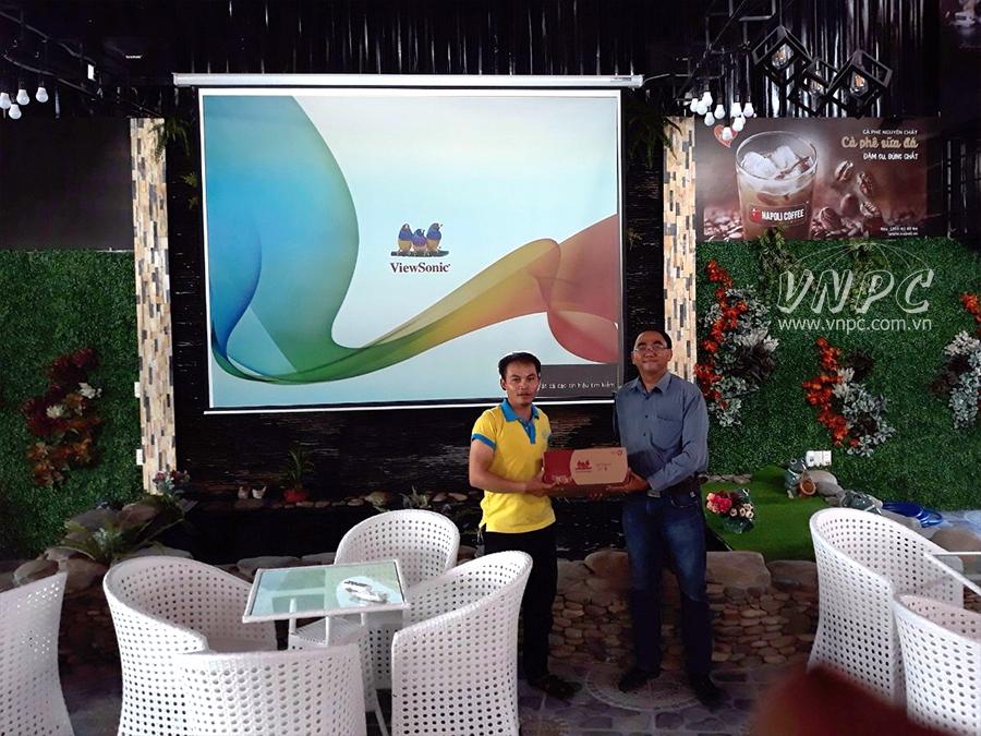 Lắp đặt máy chiếu Viewsonic PA502SP cho Napoli Coffee