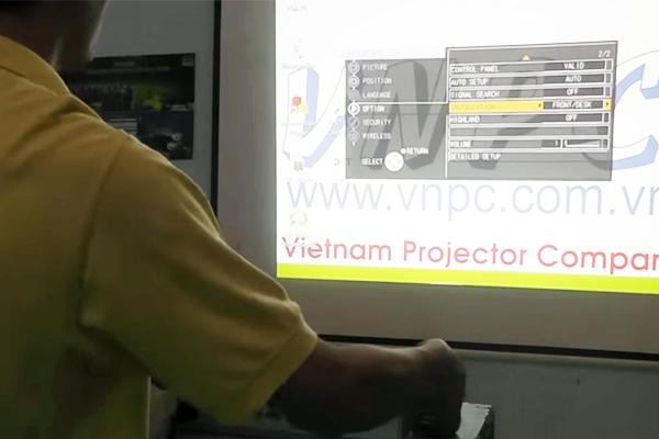 Hướng dẫn sử dụng máy chiếu Panasonic cơ bản và nâng cao