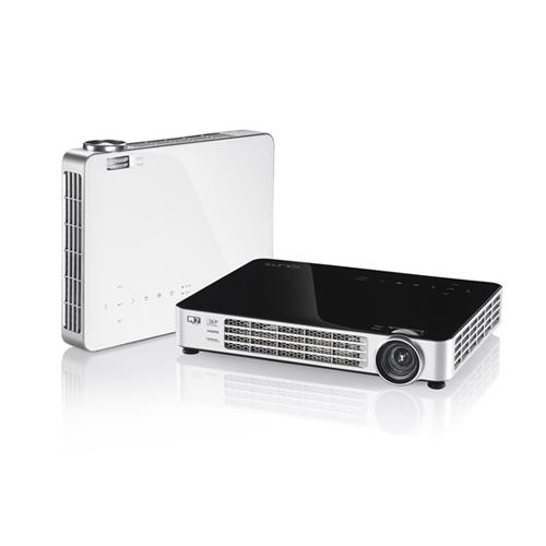 Máy chiếu Vivitek Qumi Q7 Plus dòng Mini Led Full HD 3D