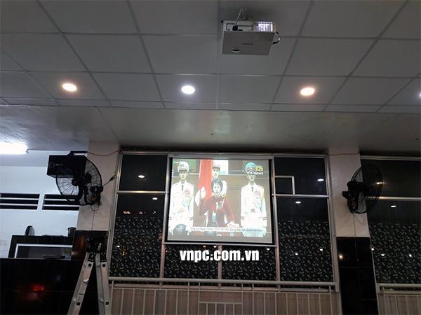 Màn chiếu điện tự động cho văn phòng và lớp học