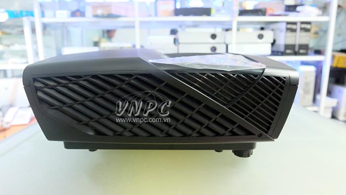 Phần hông máy chiếu ViewSonic LS820
