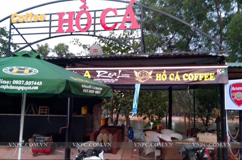 Máy chiếu BenQ MH534 tại quán cafe Hồ Cá