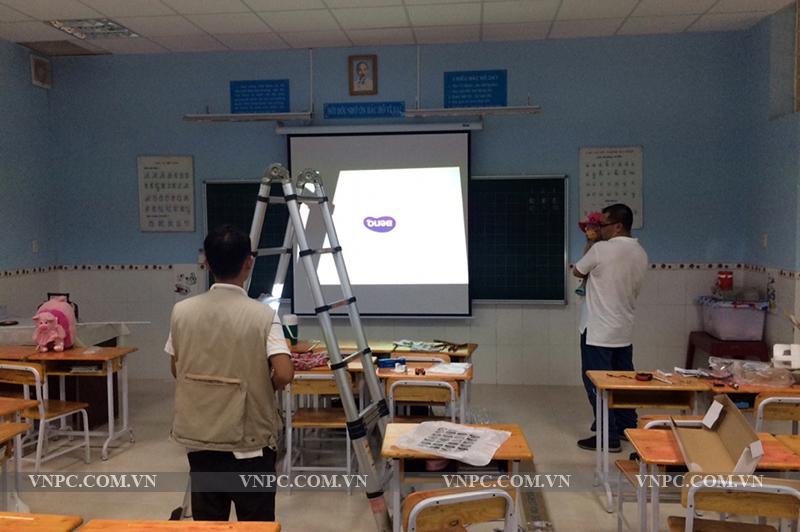 Máy chiếu BenQ MH534 lớp học