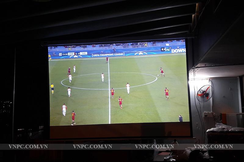 Máy chiếu BenQ MH534 quán cafe bóng đá K+