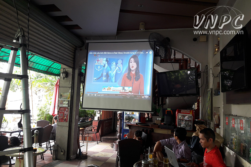 Lắp máy chiếu Optoma PX390 cho quán cafe quận Tân Bình