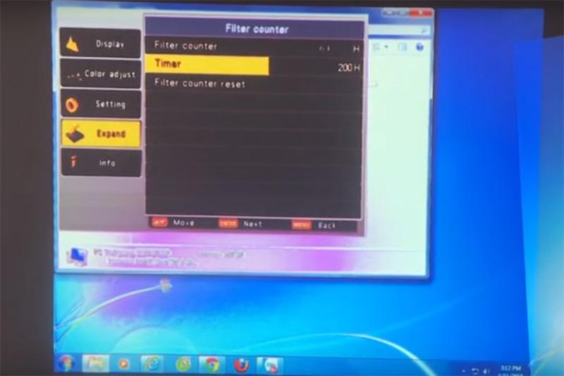 Máy chiếu bị hư LCD làm loang màu, vàng màu, nhòe chữ