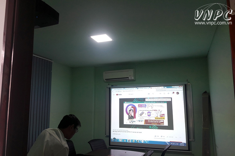 Lắp máy chiếu Optoma PX390 cho phòng họp diện tích 16m2