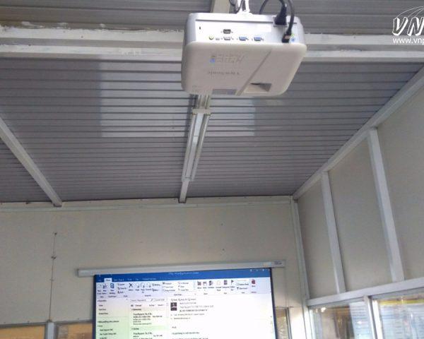 Lắp máy chiếu Viewsonic PA503W cho phòng họp tại Dĩ An
