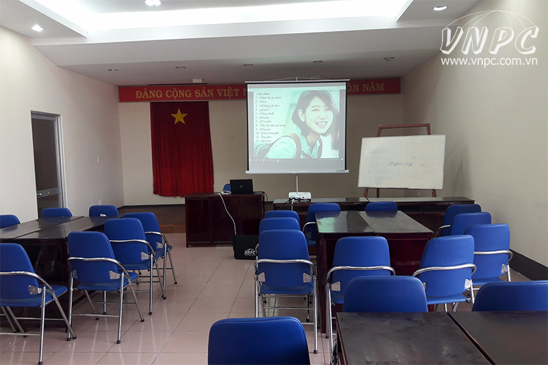 Cho thuê máy chiếu tổ chức cuộc họp & thuyết trình