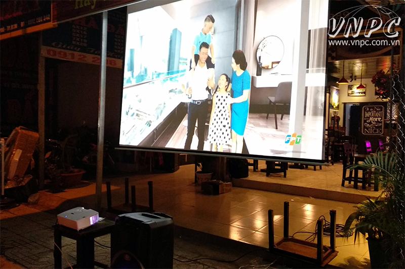 Máy chiếu siêu gần Optoma W316ST cho quán cafe bóng đá K+
