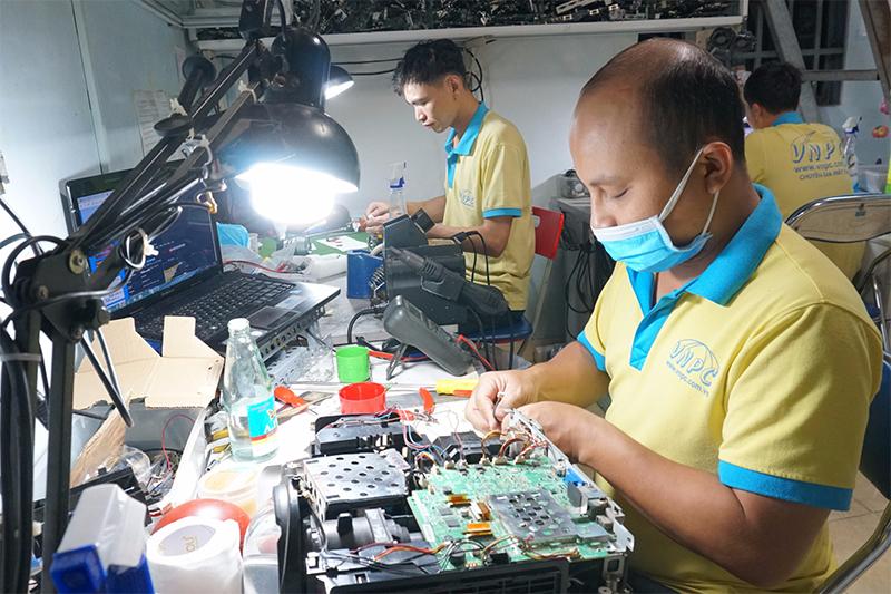 Sửa máy chiếu giá rẻ linh kiện chính hãng tại Hải Phòng