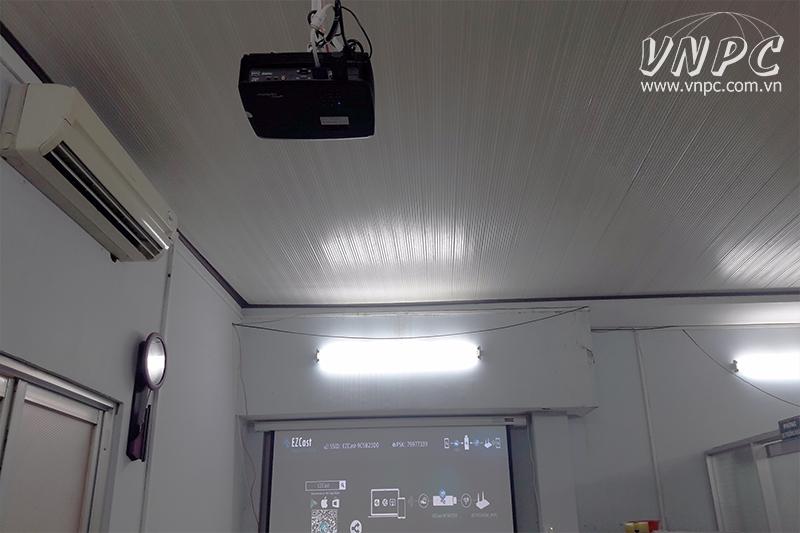 Lắp máy chiếu Optoma PX390 xài USB Wireless cho Bệnh Viện