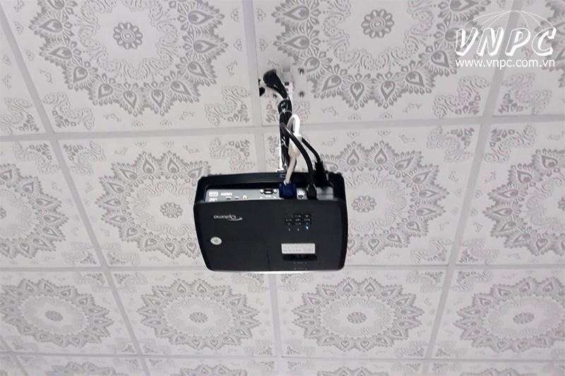 Lắp máy chiếu Optoma PX390 Quán Ăn tại TT Đức Hòa, Long An