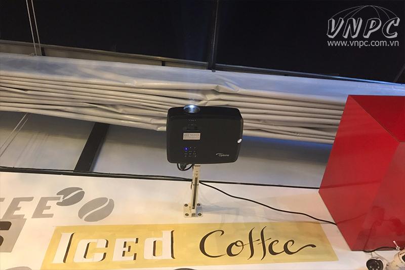 Lắp máy chiếu Optoma PX390 & màn kéo tay 1m8 tại Q.Gò Vấp