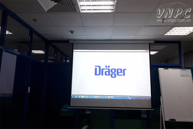 Cho thuê máy chiếu tổ chức họp tại văn phòng cuối năm