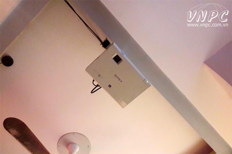Lắp máy chiếu Sony VPL-DX100 cho quán cafe Quận Hà Đông