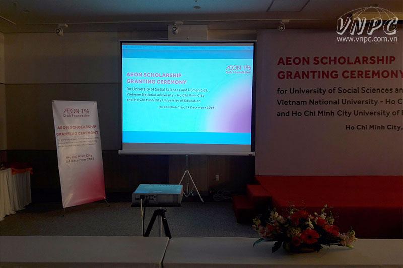 Cho thuê máy chiếu tổ chức lễ trao học bổng tại Q.Bình Tân