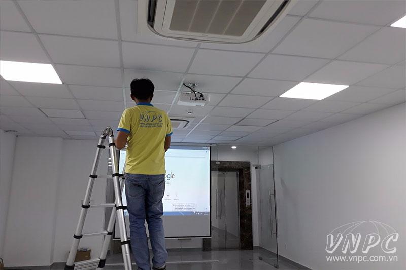 Lắp đặt máy chiếu chuyên nghiệp tại TPHCM & Hà Nội