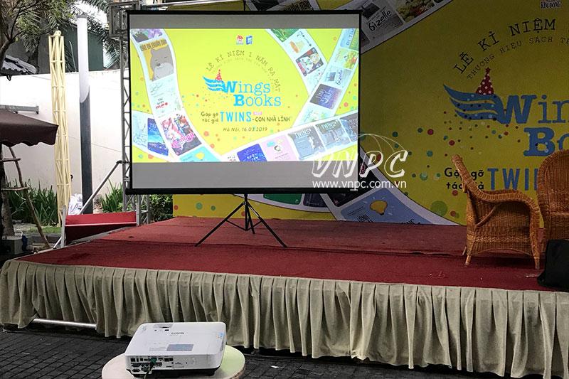Cho thuê máy chiếu ngoài trời tổ chức hội sách tại Hà Nội