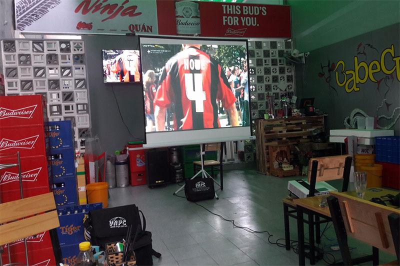 Cho thuê máy chiếu xem bóng đá tận nơi tại TpHCM & Hà Nội