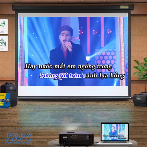 Optoma PW450 dùng hát karaoke chiếu phim gia đình