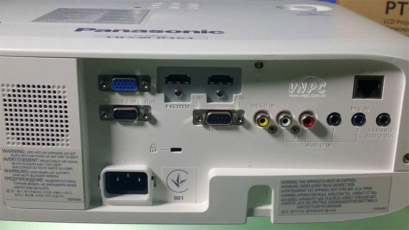 Máy chiếu Panasonic PT-VW530 kết nối Wireless được với Iphone?