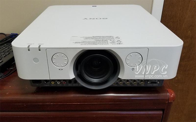 Máy chiếu Sony VPL-FX35 dùng trong hội trường