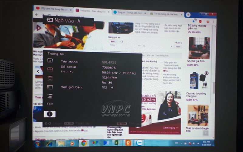 Hình ảnh chiếu bị loang màu tím của Sony VPL-FX35 do hư LCD