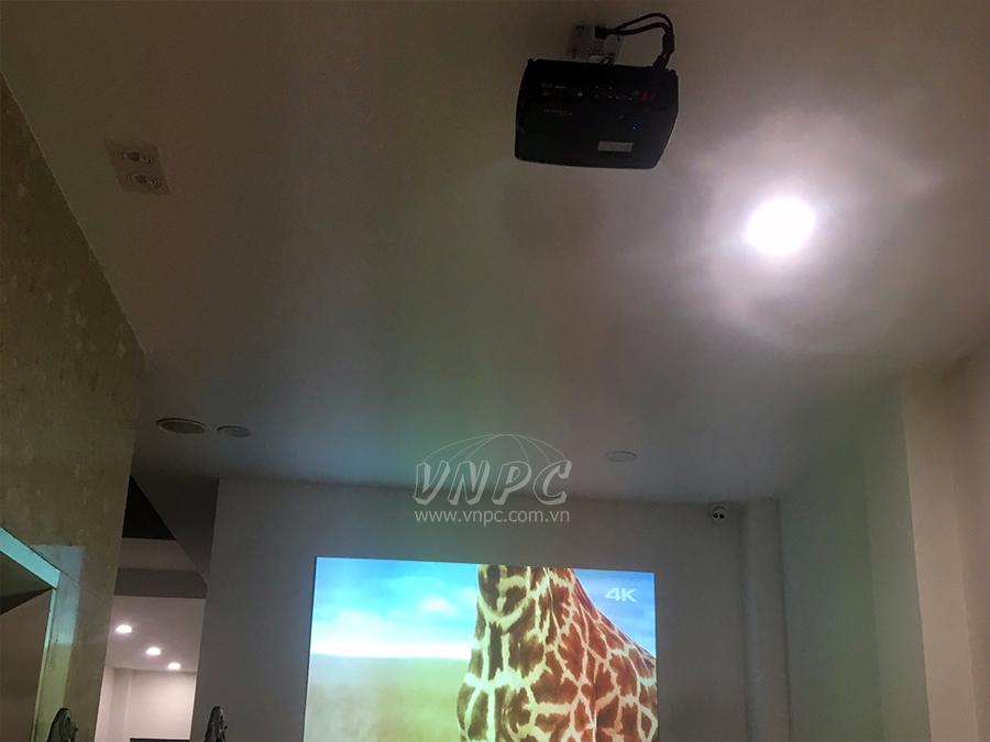 Lắp máy chiếu Optoma PX390 và Epson EB-X05 cho Sutio Ảnh Cưới