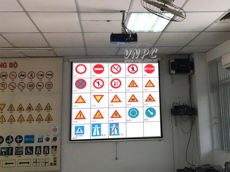 Lắp đặt máy chiếu Optoma PW450 cho trường đào tạo lái xe