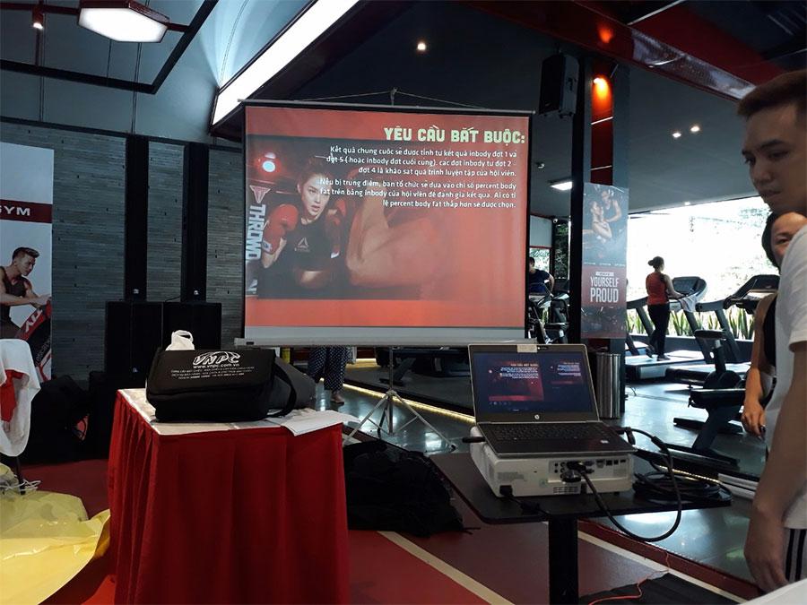 Cho thuê máy chiếu giới thiệu dịch vụ phòng Gym tại Quận 10