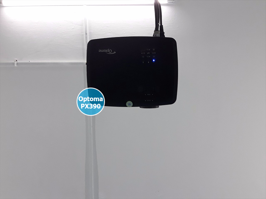 Lắp máy chiếu Optoma PX390 cho lớp dạy thêm Quận Tân Bình