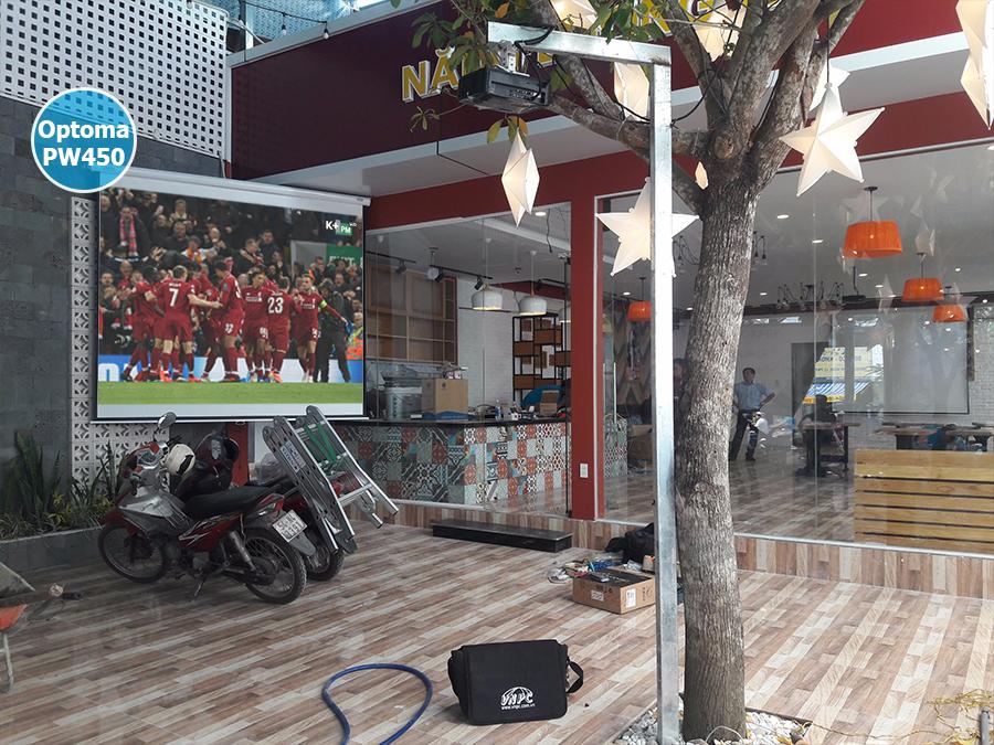 Lắp 2 bộ máy chiếu Optoma PW450 cho quán cafe quận Tân Phú