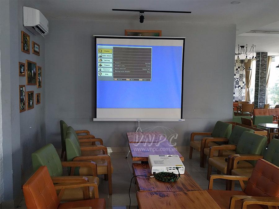 Cho thuê máy chiếu giá rẻ cho sinh viên tổ chức Offline