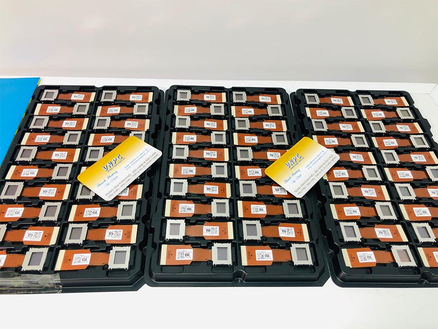 Các phân biệt LCD máy chiếu cũ và LCD máy chiếu mới