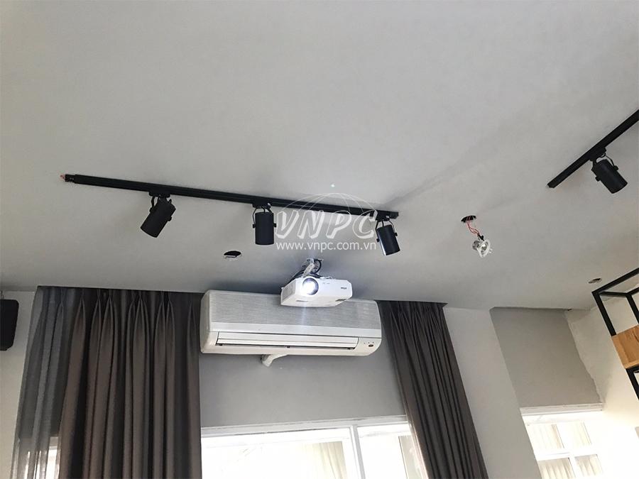 Lắp đặt máy chiếu Vivitek BW566 cho phòng phim HD gia đình