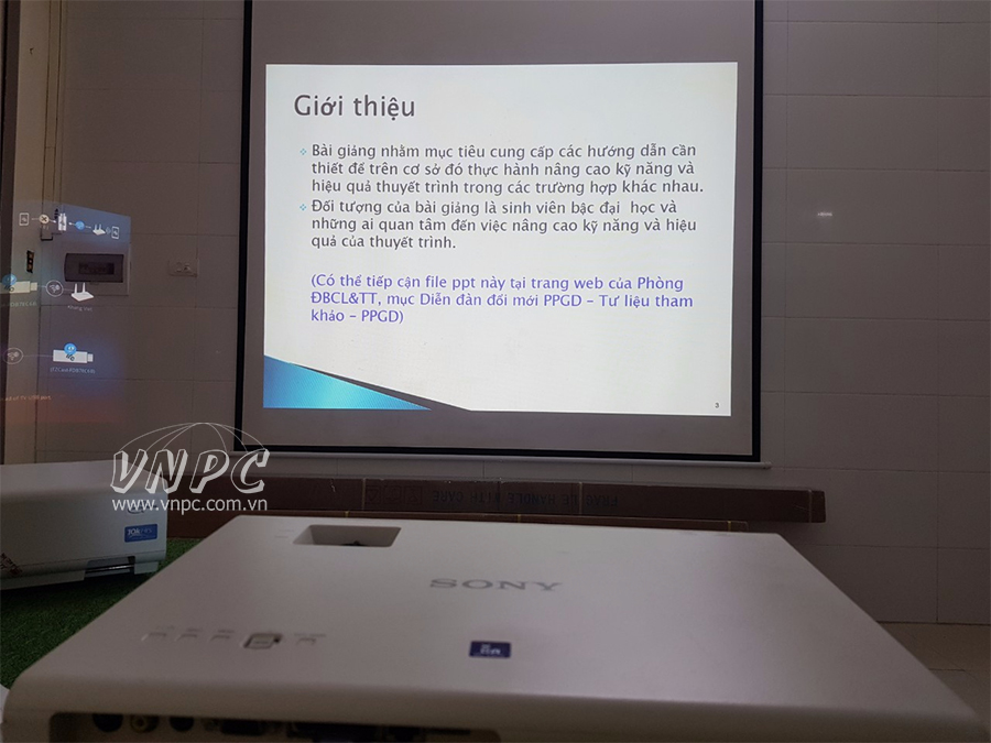 Nhận biết các dòng máy chiếu Sony cho văn phòng và giáo dục