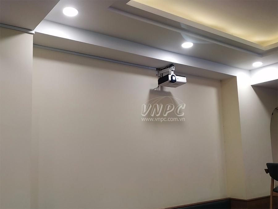 Lắp đặt máy chiếu văn phòng Canon LV-X420 tại Q.Tân Bình