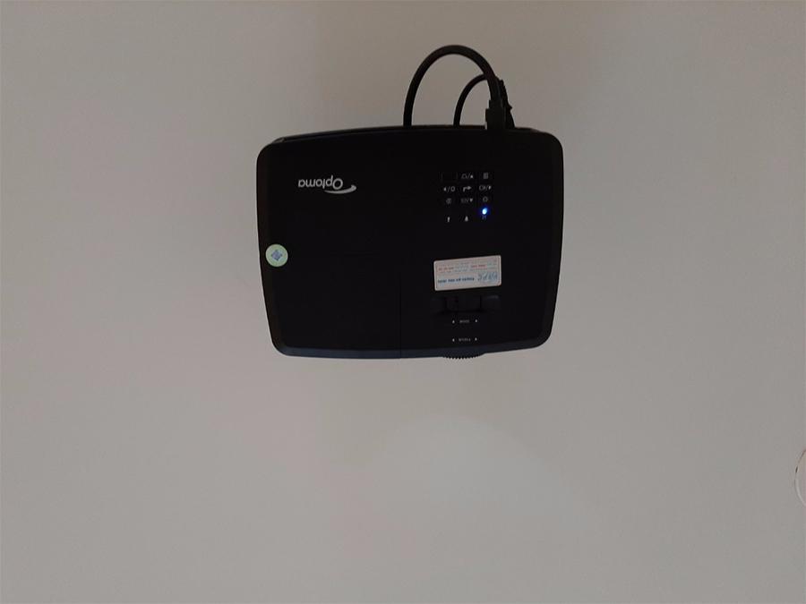 Lắp đặt máy chiếu văn phòng Optoma PX390 tại Quận Phú Nhuận