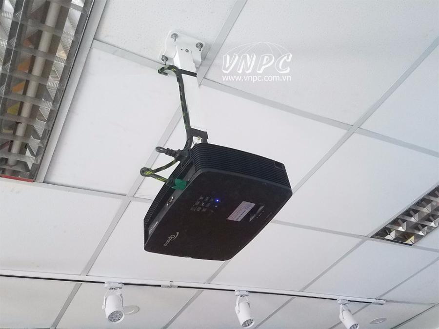 Lắp đặt máy chiếu văn phòng Optoma PX390 tại Quận 1