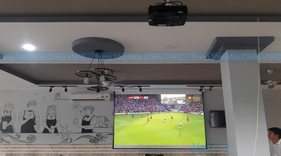 Máy chiếu bóng đá quán cafe