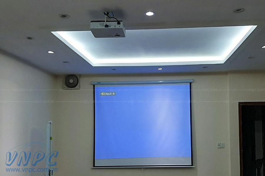 Lắp đặt Sony VPL-DX221 & màn chiếu treo tường 120 inch