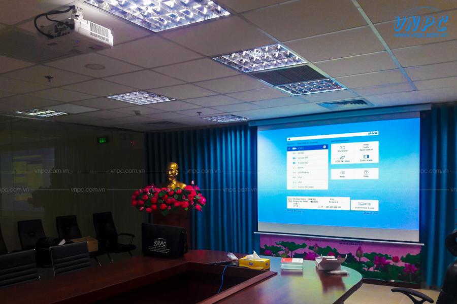 VNPC lắp đặt máy chiếu Epson EB-2142W