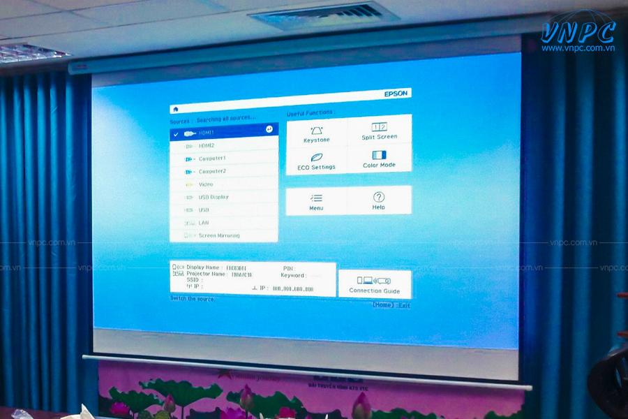 VNPC lắp đặt máy chiếu Epson EB-2142W và màn chiếu điện 135 inch