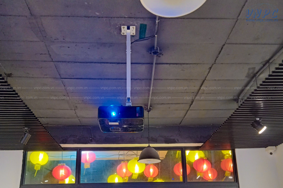 VNPC lắp đặt 6 bộ máy chiếu Optoma PS368