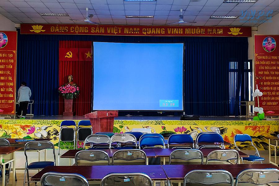 VNPC cho thuê máy chiếu 8000 Ansilumens